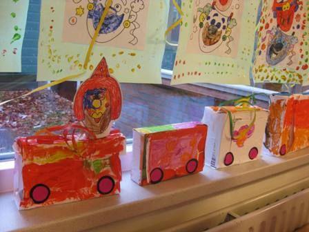 * Carnavalswagen van doosjes!