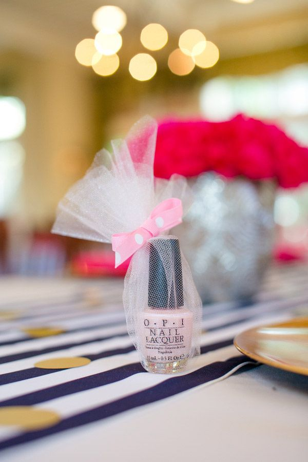 5 unique bridal shower favor ideas for an unforgettable party! - Wedding Party