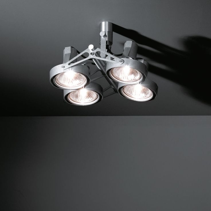 Nomad is a classic. This refined, industrial fitting with its visible wiring is perfect for highlighting your favourite elements in your interior. The family comprises a wide range of lighting solutions. For example, the flexible arm allows Nomad to travel a certain distance. If you wish to give this classic a new look, simply opt for Nomad for Smart rings. #nomad #supermodular