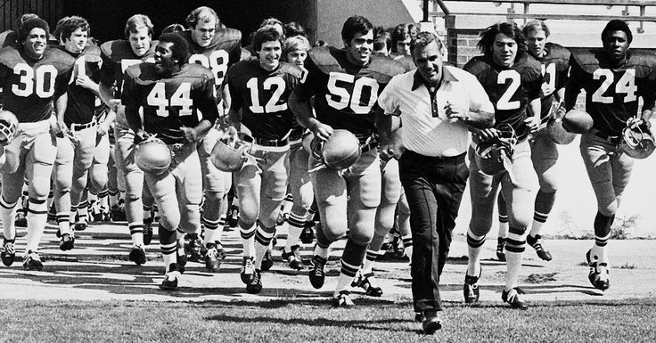 Ara Parseghian, Coach Who Returned Notre Dame Football to Greatness, Dies at 94