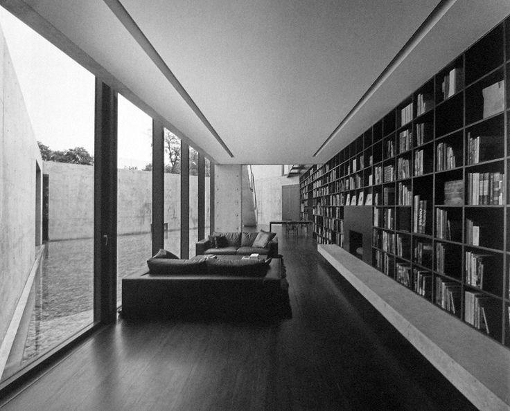 El primer proyecto de Tadao Ando en México es una casa en la zona metropolitana de Monterrey. Ya habíamos mencionado el proyecto para la Universidad de Monterrey (UDEM) que esta en curso, pero fue una total sorpresa toparme con las fotos de esta casa en la revista GA Houses de Japón. Hace unos días entré …