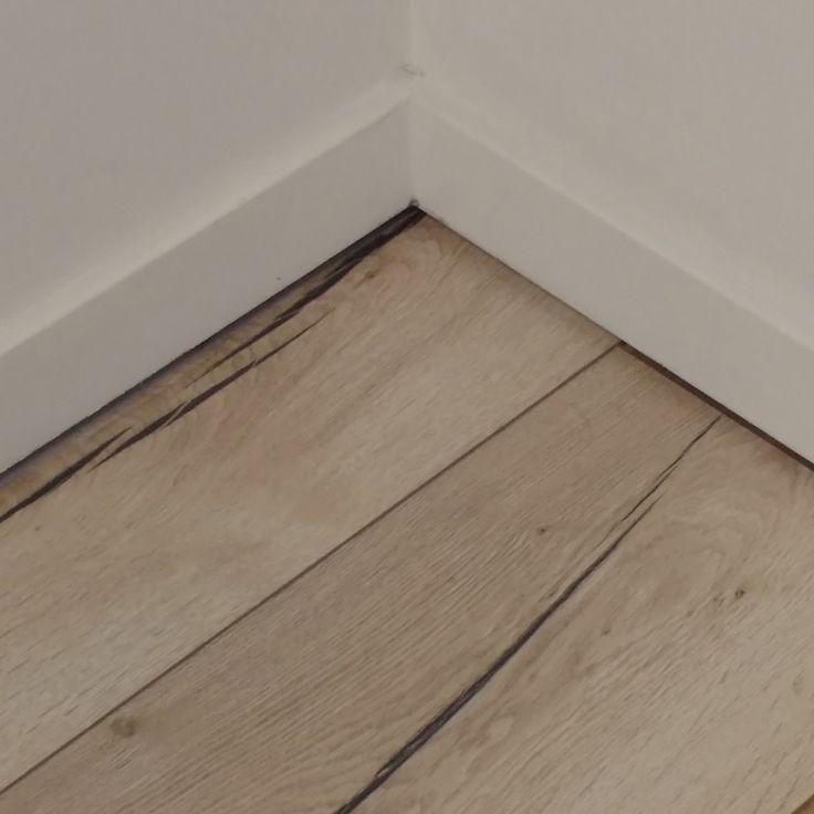 #Egger Large vgroef 8mm Lange plank
