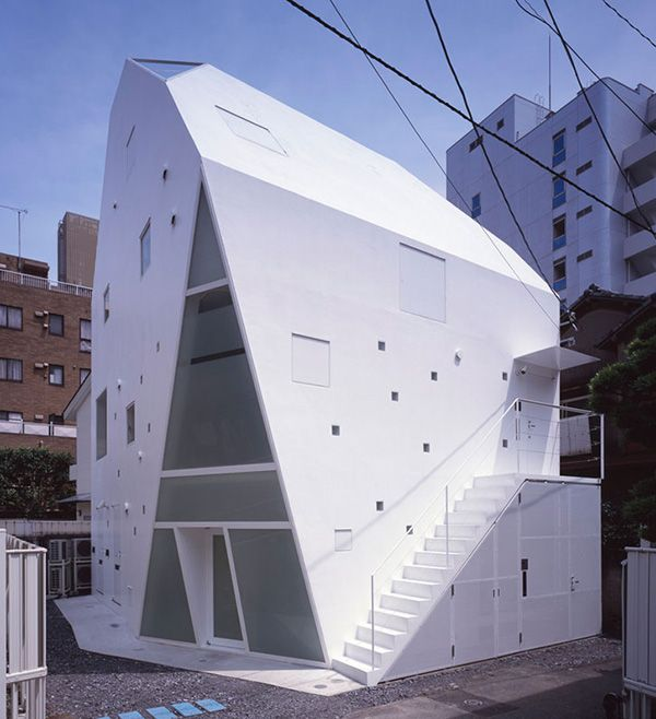 unusual house plan in Tokyo, Japan, designed by Architect Label Xain