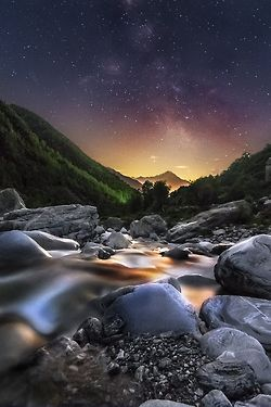 sundxwn:  Golden dream Milky way Nightscape by Gianluca Biondi