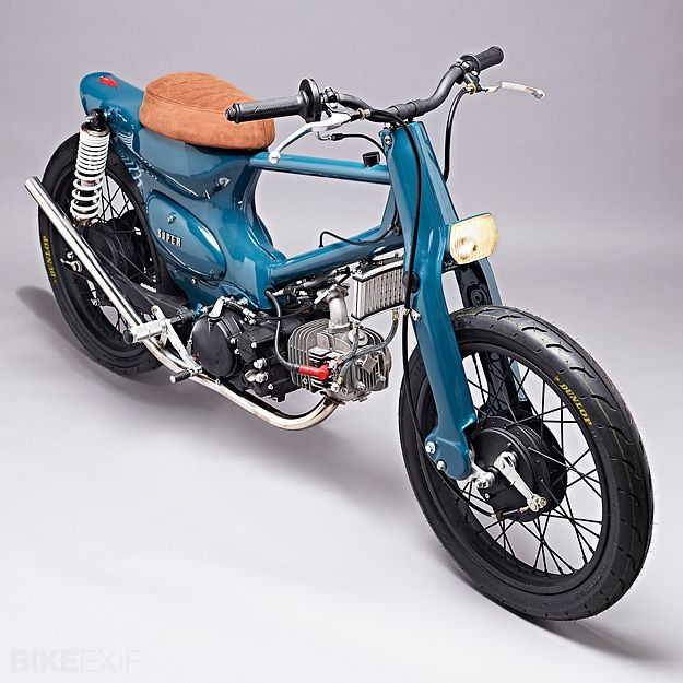 SMC's Dimitri Hettinga sells a remake of the Super Cub in Europe for a living. But this machine, nicknamed 'Salt Shaker', is no city runabout. It's packing a heavily breathed-upon 150cc Yinxiang motor—measuring 22 hp at the rear wheel—plus racing wheels and tires, and a bespoke frame.