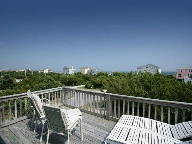 NC: Peddler's Port East - Emerald Isle Vacation Rental  3 BR / 2 bath. 2nd row /ocean view.