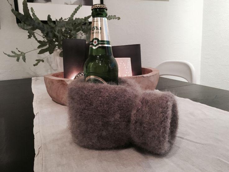Votten er strikket i Fritidsgarn fra Sandnes. Farge nr. 2650. Dette garnet er perfekt for arbeid ...
