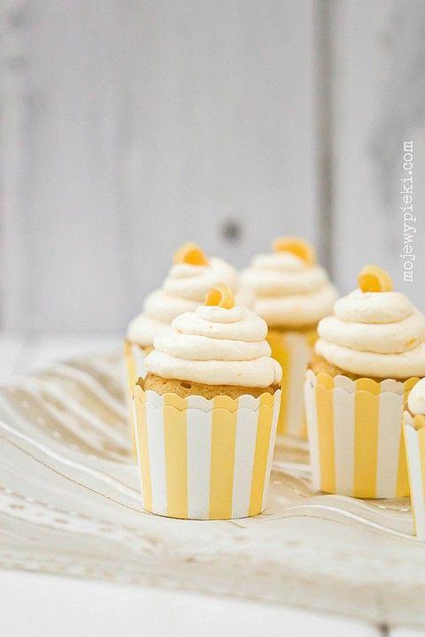 Babeczki cytrynowe: Cupcake Time, Color, Babeczki Cytrynowe, Cooking Inspirations, Amarillo Inspiracion, Yellow, Mojewypieki Com, Lemon Cupcakes, Amarillo Limón