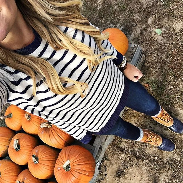 pumpkin patch outfit. #fall Pinterest:@JORDANLANAI