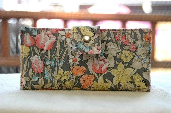 Wallet Clutch Damen-Clutch Wallet-All Vegan handgefertigt-grau mit Pastell Blumen-Geschenk für Frau-Geschenk für Frau-Geschenk fallen