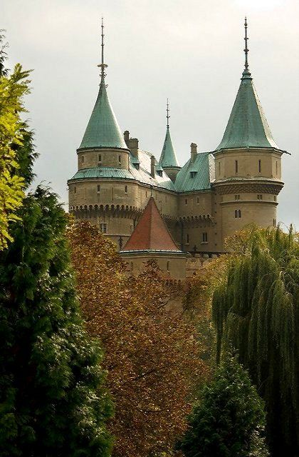 Bojnice Castle, Trenciansky, Slovakia | by pxls.jpg