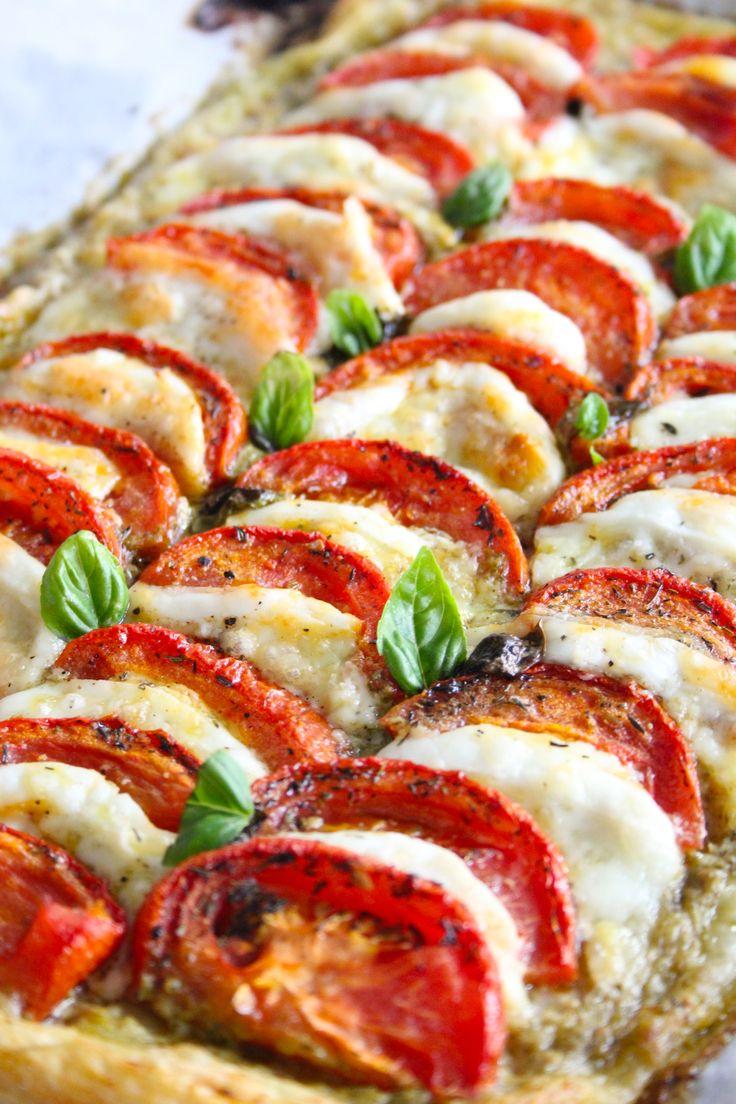 Caprese plaattaart | ENJOY! The Good Life #food #recipe #foodphotograpy #enjoythegoodlife