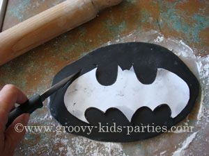 Birthday Cake Outline Printable ~ 9 best batman template images on pinterest superhero superhero