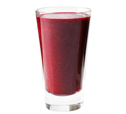 Keeper! Blend beetroot, apple, blueberries and ginger to create a smooth and nutritious drink with depth and zing