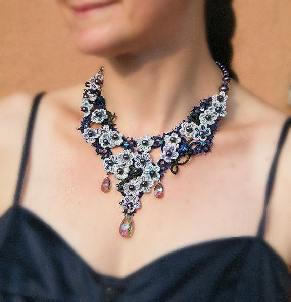 Hydrangea tatted necklace pattern by Happyland87 on Etsy