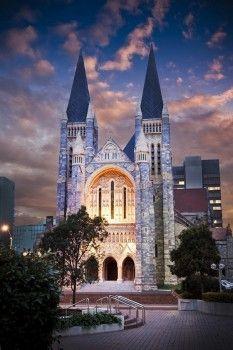 19世のゴシック様式の美しい大聖堂♡『セントジョンズ・アングリカン・カテドラル教会』。荘厳なウェディング♡参考にしたいブライダル・結婚式のアイデア☆