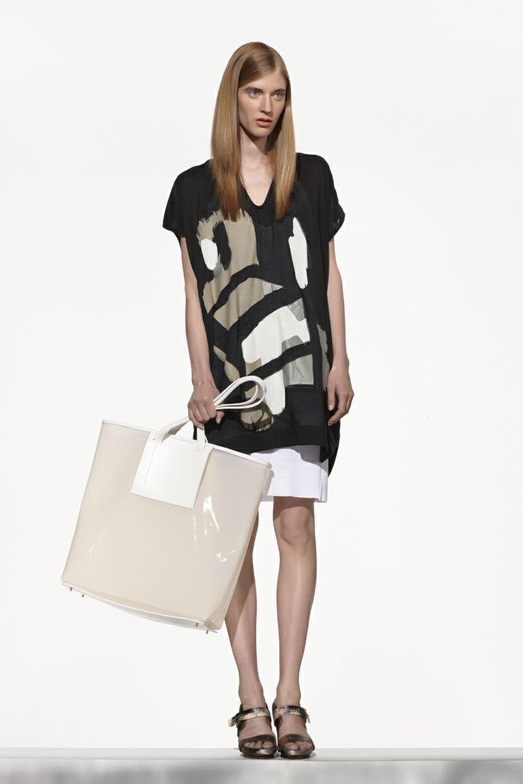NUBU JUPS top / NUBU PUHA dress / NUBU YEMEL bag