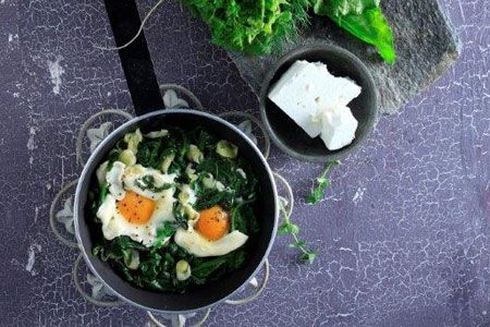 Χόρτα τσιγαριαστά με αυγά - Συνταγές | γαστρονόμος
