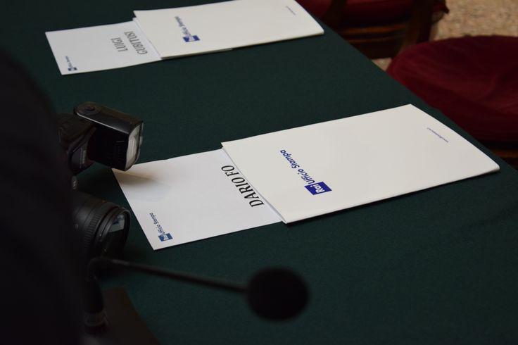 Tutto pronto per la conferenza stampa.. ospite e protagonista è il grande maestro Dario Fo.  #museobrera #raicultura #rai5 #dariofo