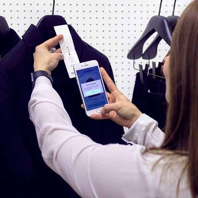 Want to learn how to walk omnichannel? Check out our newest blogpost to find out the first 5 steps. Link in comments. . . . . . #omnichannel #retailexcellence #retail #retailer #retailers #customerexperience #customers #entrepreunialmindset #blog #blogpost #startup #startuplife #yourretailpartner #retailconcept #futureofretail