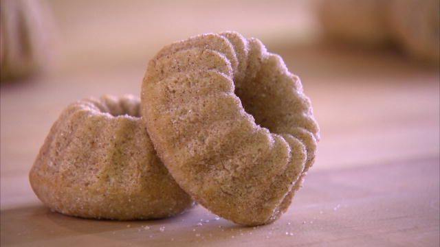 These cinnamon-sugar sweets will make you the cake boss of your house.