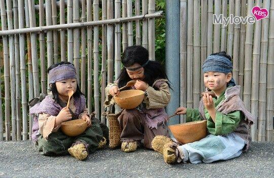 cutest beggars out there  #songdaehan #songminguk #songmanse #jangyeongshil