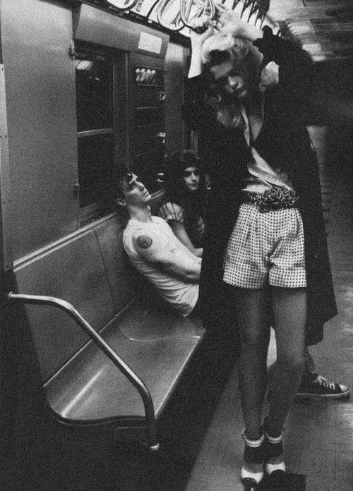 não vou lhe beijar, gastando assim o meu baton....