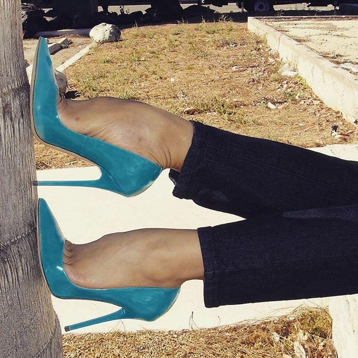 #stiletto #heels #heel #pumps#highheel #highheels #itgirlstagram #lifestyle#louboutin #ballerina #christianlouboutin #ballet#ballett #tattoo #fashion #feet #domina #mistress#nylons #stockings #newyork #halterlose#itgirlstagram #mannheim #münchen #köln#frankfurt #istanbul