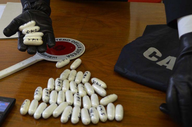 Polvere bianca, tempi duri per gli spacciatori: mezzo chilo di coca sequestrato dai Carabinieri