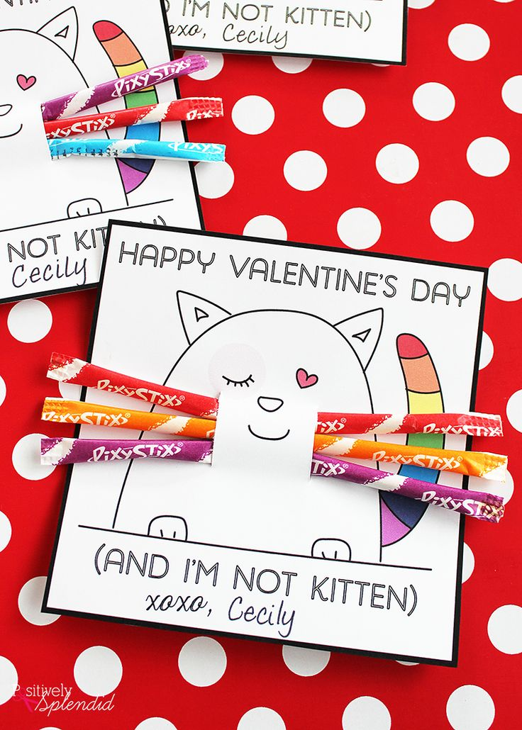 Absolutely adorable free printable kitten valentine cards from Positively Splendid. The Pixy Stix whiskers are perfect!