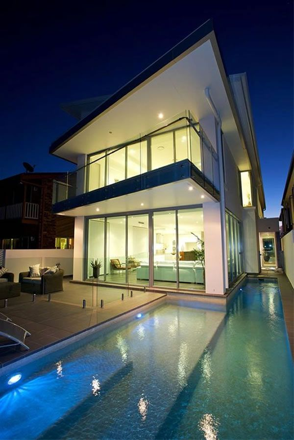 Hot Home in the Heart of Brisbane - A World of Luxury and Scenic Beauty