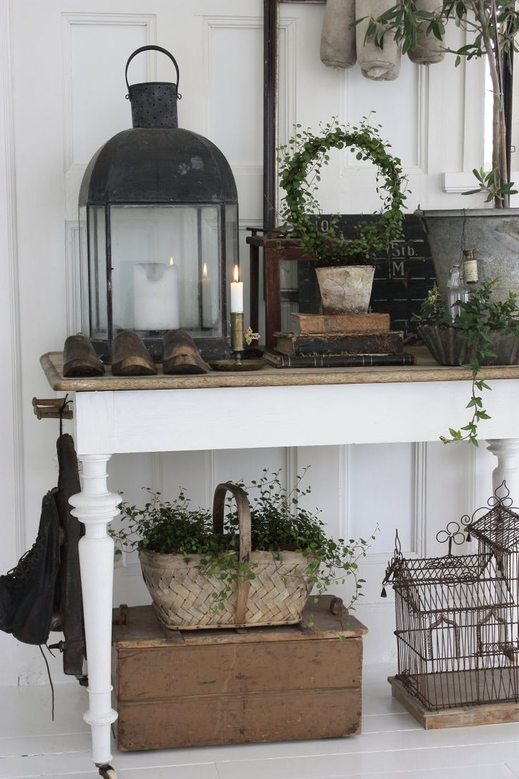lanterns and console table