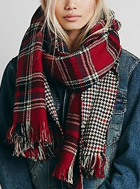 AHH! I have this scarf, its on of the best things I have ever bought