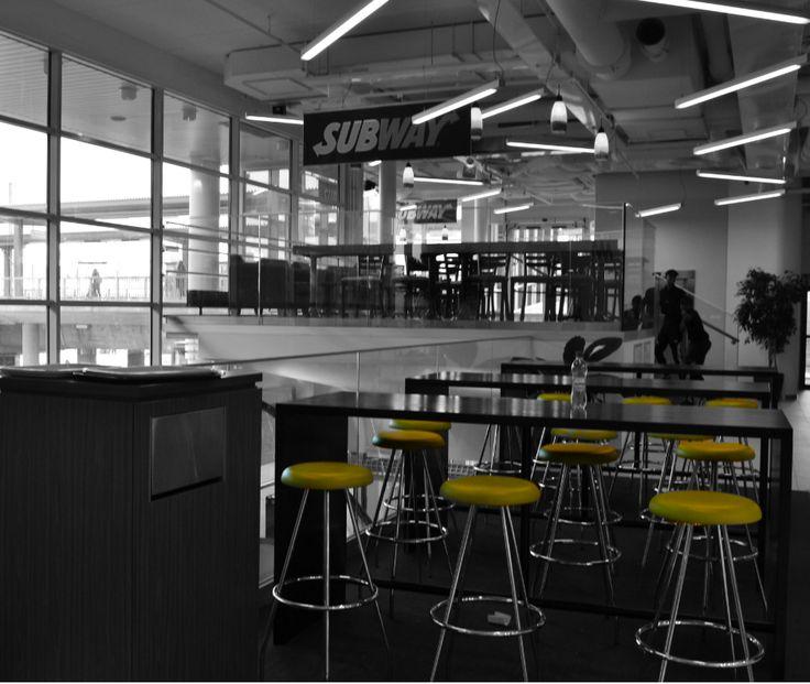 #subway ja #arnolds niin isoon kuin pieneenkin nälkään! #chairs #food