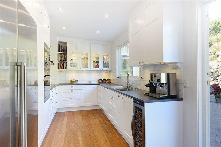studio vit ballingsl v location f rsta parkett p solsidan i saltsj baden k k. Black Bedroom Furniture Sets. Home Design Ideas