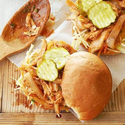 Pulled Roast Chicken Sandwiches: Dinner in 30 minutes or less when you use shredded rotisserie chicken!