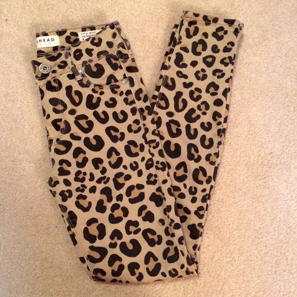 """Bullhead Animal Print Jeans! Description: Animal print jeans, """"high rise skinniest"""". Size: 0 Brand: Bullhead Bought at: Pacsun Condition: Worn once but in great condition, no flaws! Bullhead Jeans"""