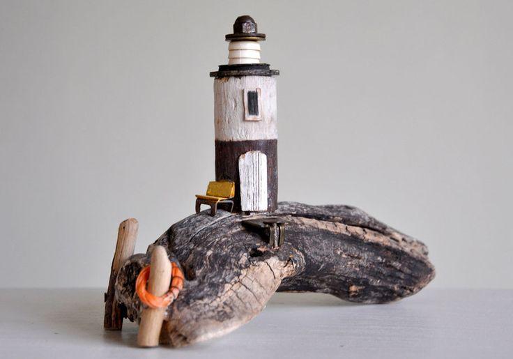 Christine Grandt - Treibholzkunst: Maritime Geschenke, Design, Kunst, Holz, Skulptur, Leuchttürme, Miniaturen, Schweden