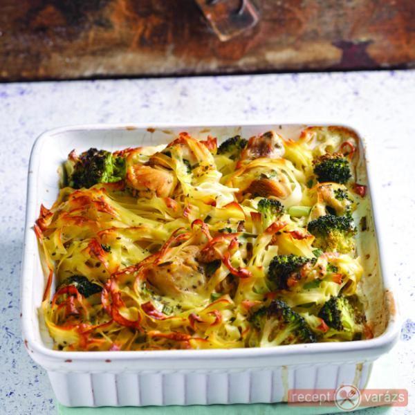 Brokkolis-tésztás csirke