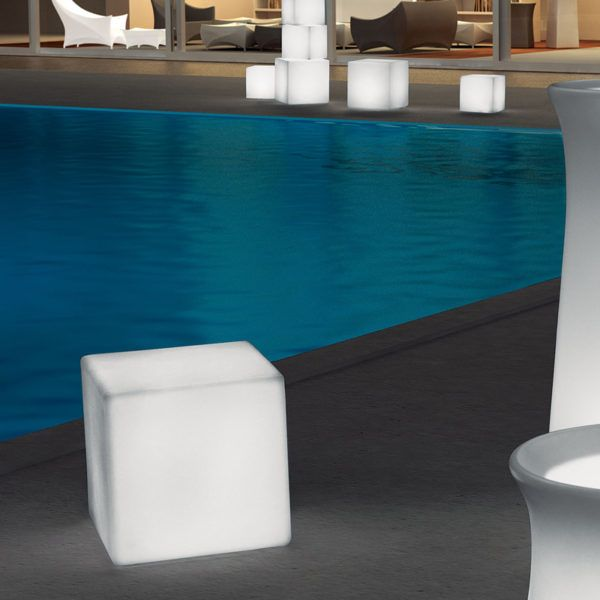 Cube Light. Mobelli Outdoor Furniture. With its interchangeable and remote controlled LED light inside, you can take it anywhere you want. No electrical cables, no mess, no fuss.