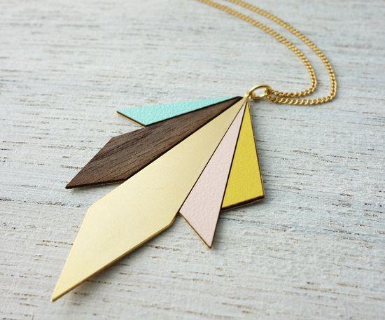 Long collier, aux losanges asymétriques de couleurs pastel, Long Northern Lights Necklace, signature necklace, Scandinavian design