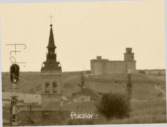 Torrijos colegiata junto al castillo Barcience.