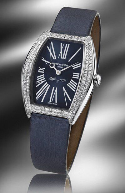 Image from http://www.watchalyzer.com/wp-content/gallery/patek-philippe-and-tiffany-co-joint-watches/patek-philippe-ladies-gondolo-limited-edition-4897g-012-watch.jpg.
