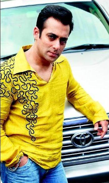 Bollywood salman khan in Summer T-shirt