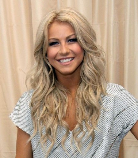 Julianne Hough hair style - long wavy layers. Love love love!! wish my hair would do this!