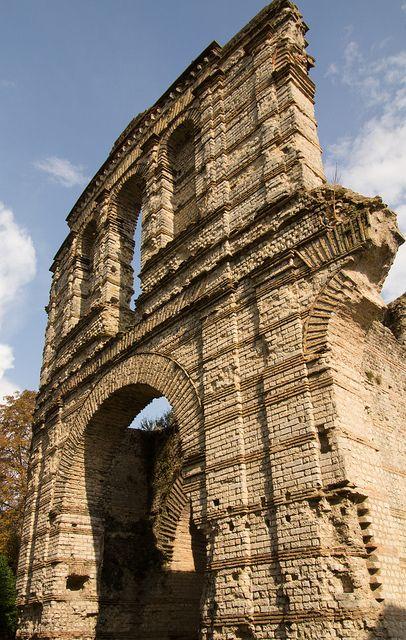 Day 7: Roman ruins in Bordeaux. Palais Gallien.