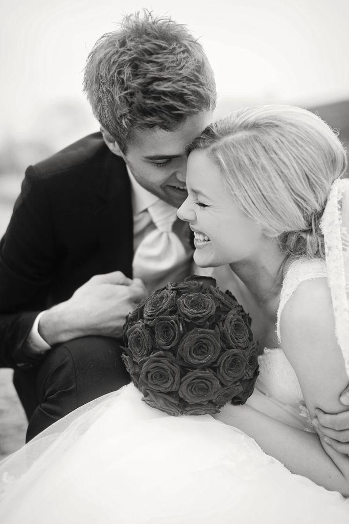 Fotograf med mange års erfaring indenfor fotografering af bryllupper. Lad mig hjælpe med at forevige en af de største dage i jeres liv sammen.