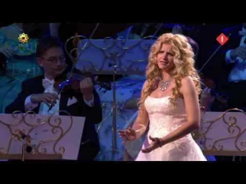 AVE MARIA in good sound by Mirusia Louwerse with André Rieu (2008). - YouTube