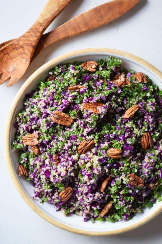 Rødkålsalat med quinoa, pekannødder og appelsindressing