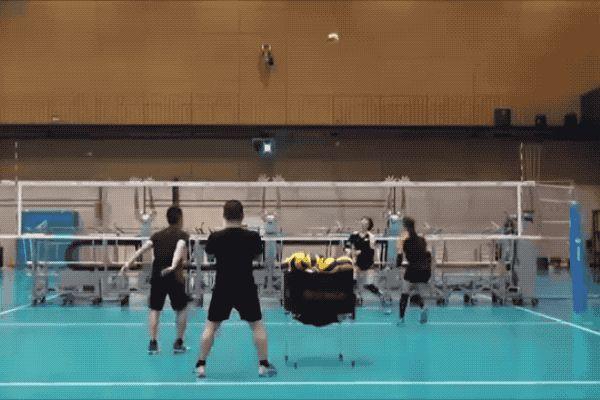 Japan's volleyball team test their spikes against robot blockers - http://www.sogotechnews.com/2017/04/13/japans-volleyball-team-test-their-spikes-against-robot-blockers/?utm_source=Pinterest&utm_medium=autoshare&utm_campaign=SOGO+Tech+News